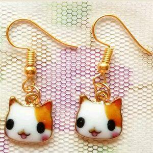 Kitten enamel earrings gold tone new in package